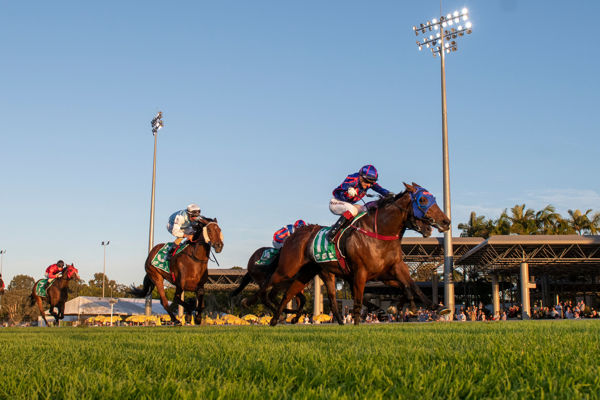 Krone captures the Glasshouse Stakes (Racing Queensland)