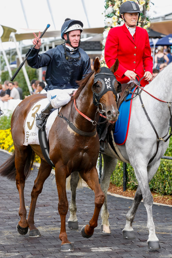 Philipp wins the Tullcoh Stakes (Mark Smith)