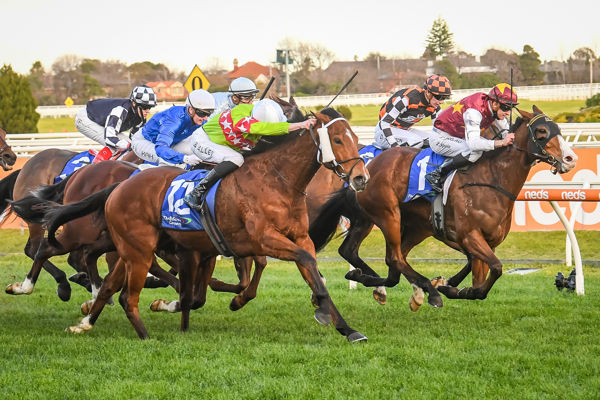 Where to look - Sansom drives late to edge Streets Of Avalon (image (Reg Ryan/Racing Photos)